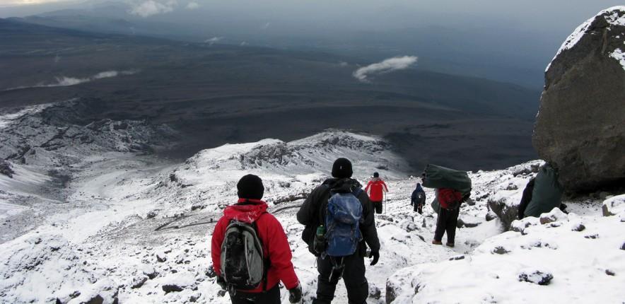 ascension du kilimandjaro randonneurs