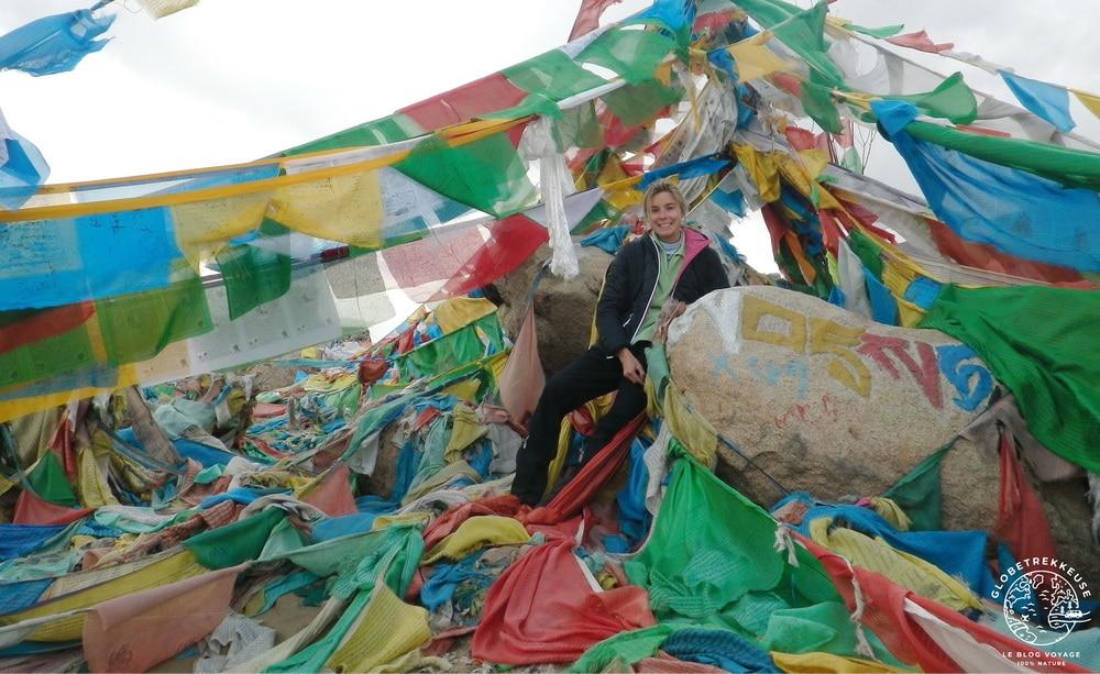 tibet roadtrip drapeaux samye