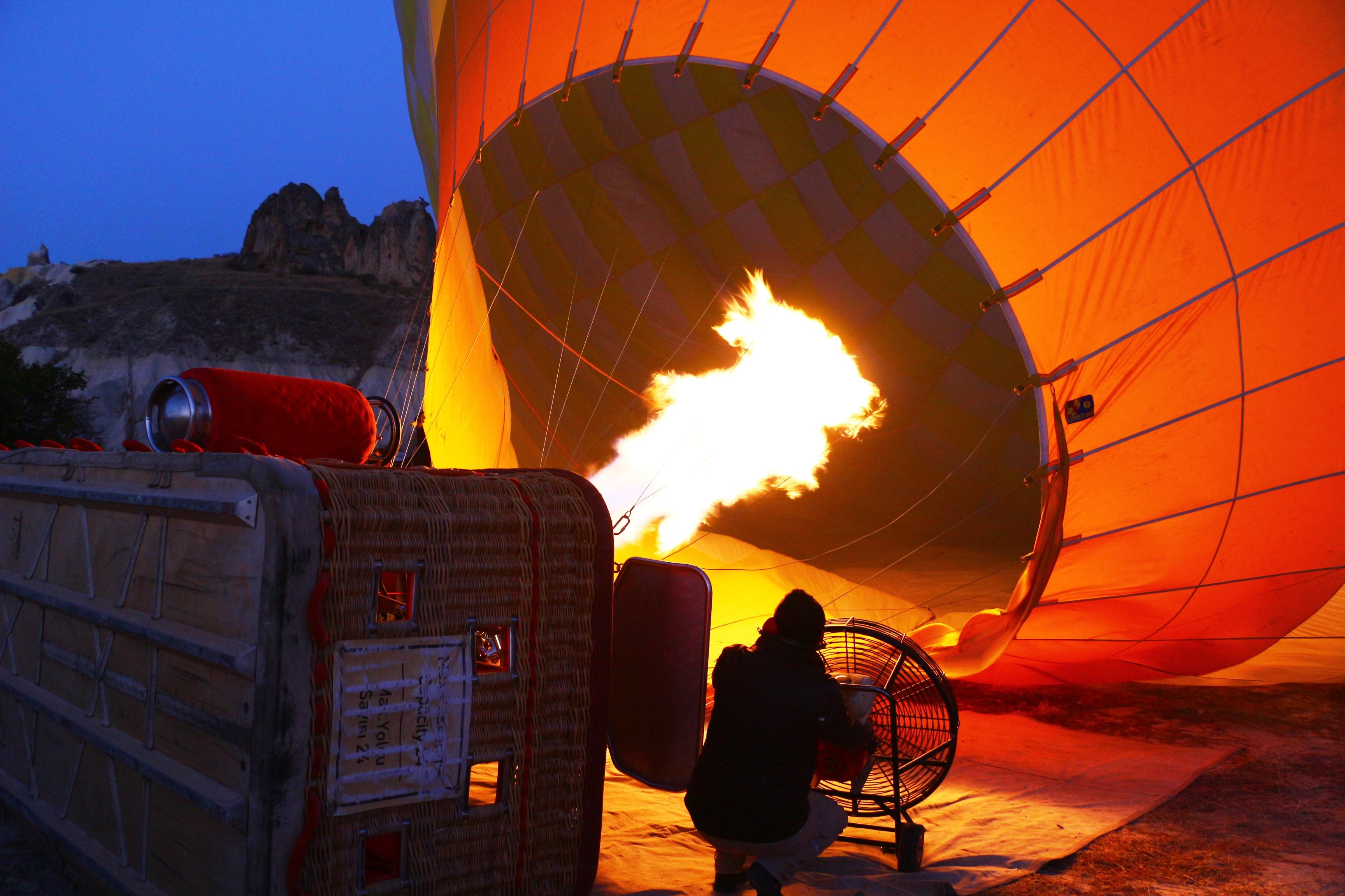 montgolfiere en cappadoce gonflage