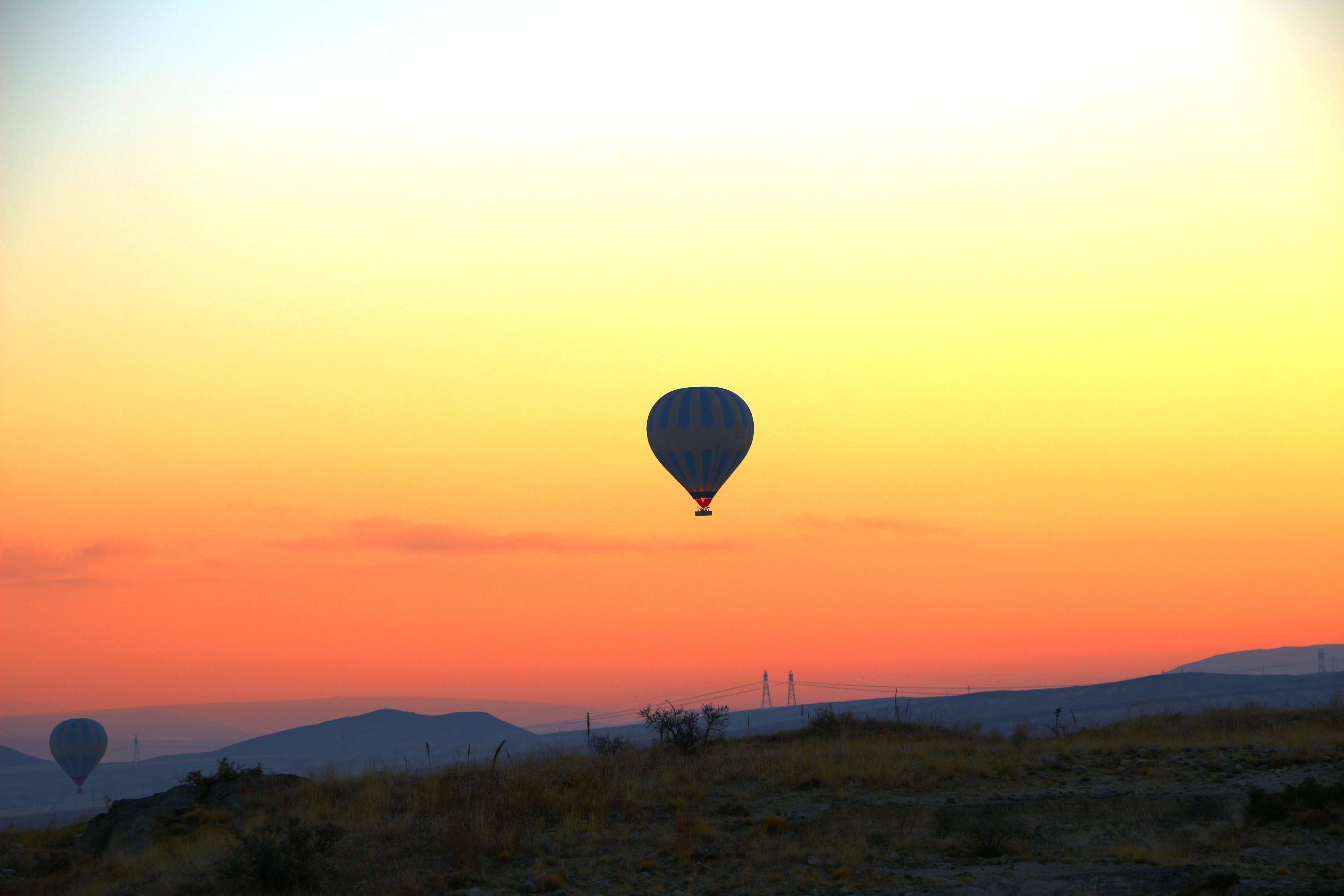montgolfiere en cappadoce soleil