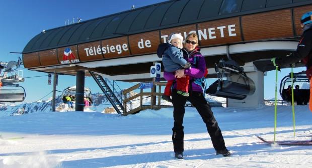 Vacances à la neige avec bébé : activités, conseils et idées d'itinéraires