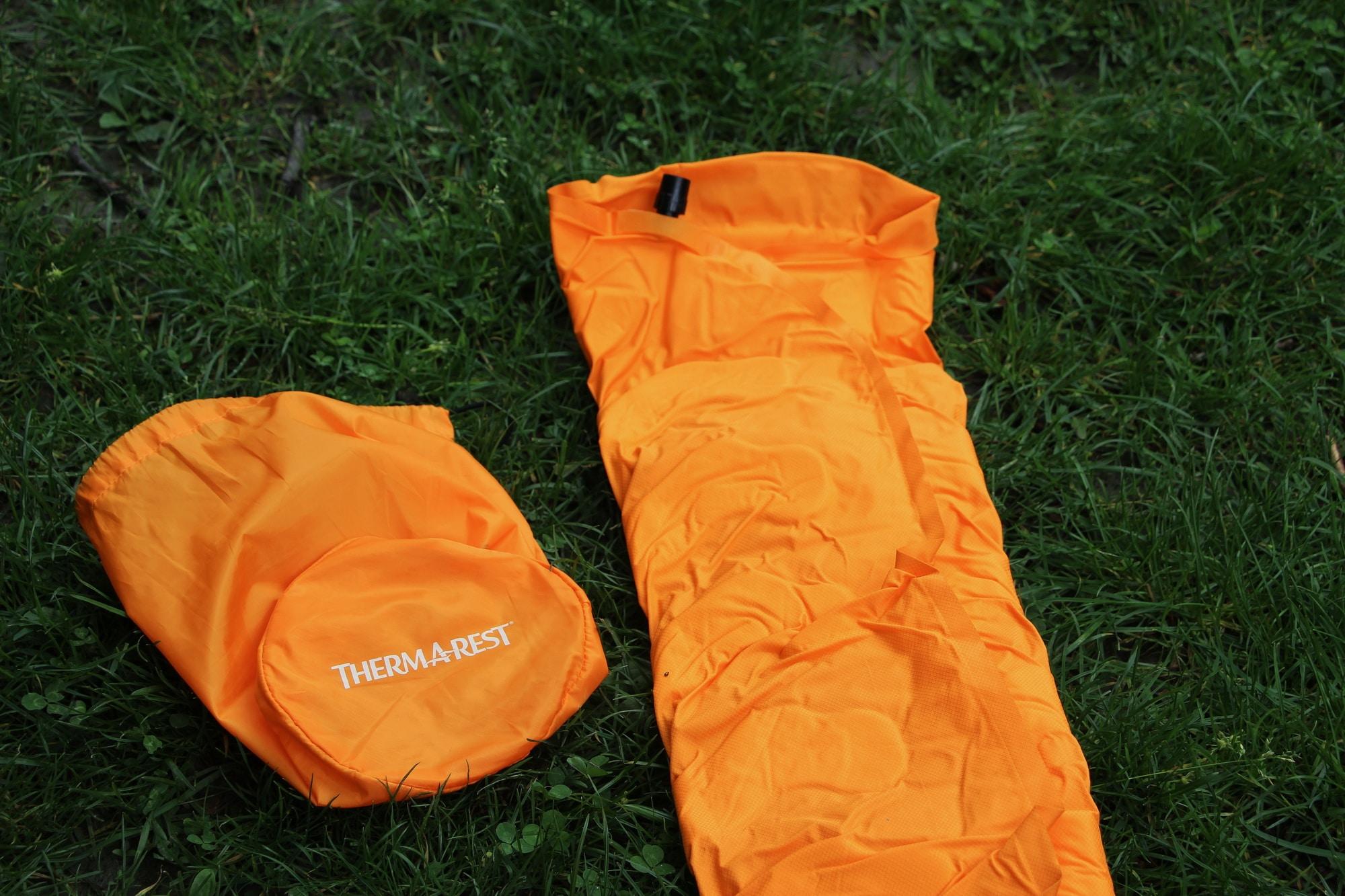 matelas camping thermarest evolite rangement