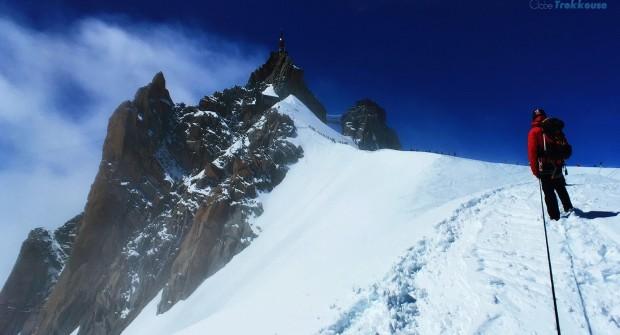 Alpinisme à Chamonix : sensations fortes sur l'arête de l'Aiguille du Midi !