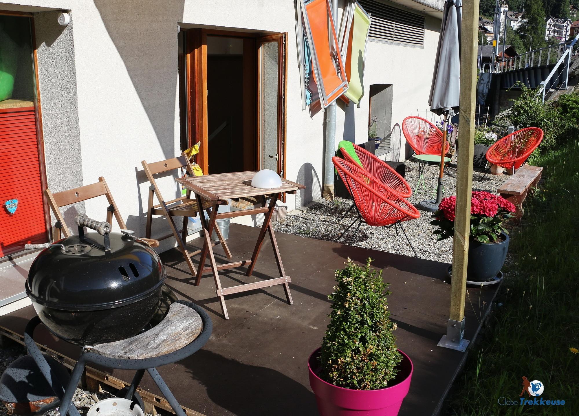 le petit baroudeur terrasse barbecue
