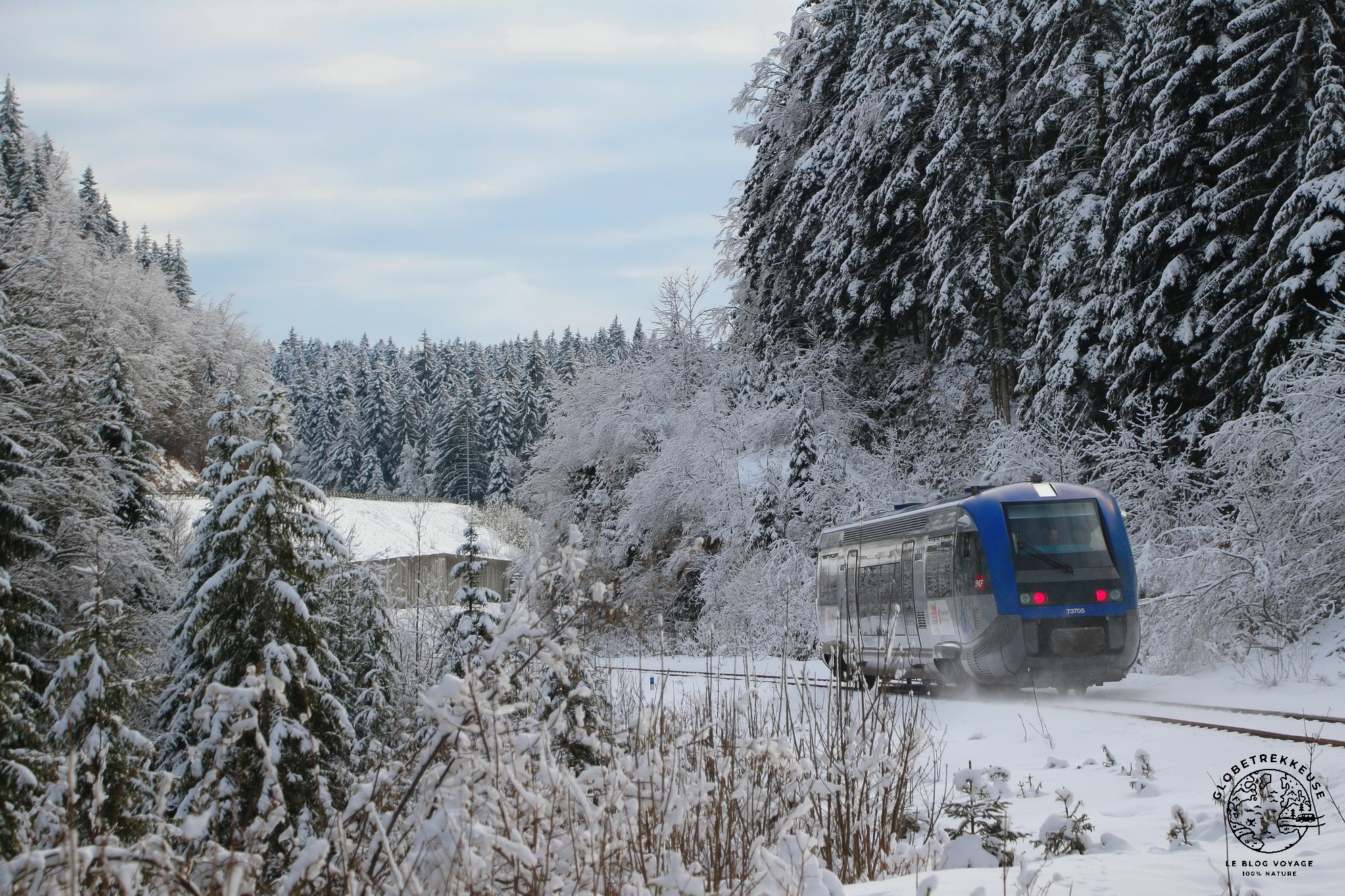 jura en famille hiver train