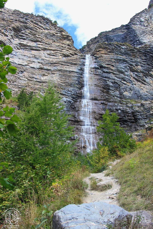 lac de Serre-Ponçon cascade pisse