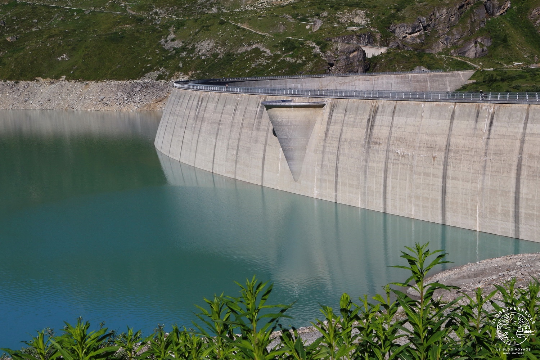 lac de moiry val anniviers barrage