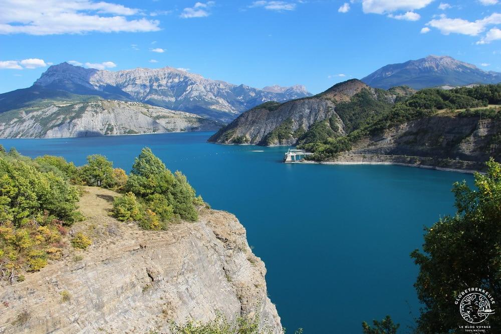 lac de serre-poncon paysage