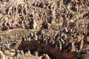 randonnee-en-cappadoce-vallee-rouge-3